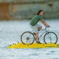 最前衛的水上活動-水上腳踏車