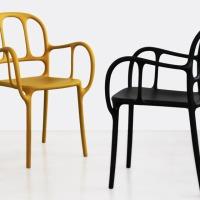 鬼才Jaime Hayón的第一張處女塑膠椅